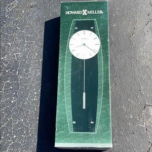 NEW Howard Miller Cyrus Glass & Metal Clock
